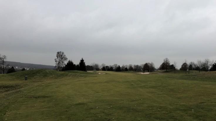 Bella Vista Golf Course 16th Approach Shot
